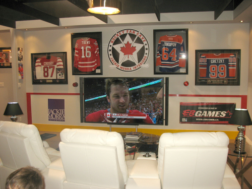 Hockey-Fan-Cave-Jackie-Morra-6